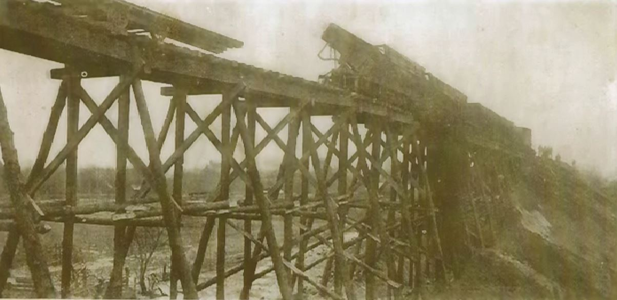 How they built the new grade in Milford when the railroad was leveled in 1905-06